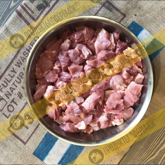 Колбаса п/к Феремок «Сервелат Классик». Свиной окорок, грудинка, корейка! Без жил, шкур и хрящей.